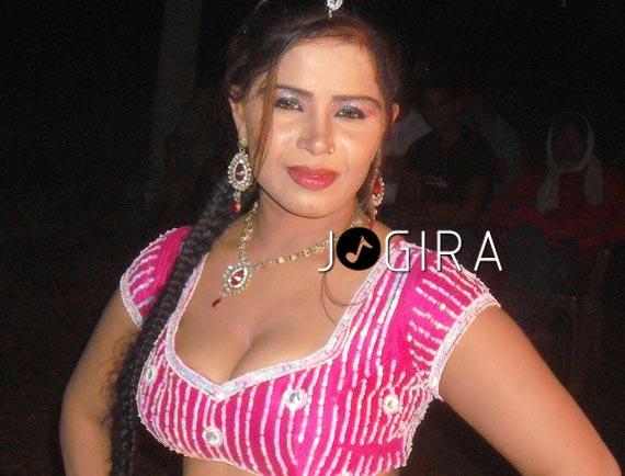 Bhojpuri hot actress Syesha Sekh