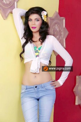 Hot bhopuri actress Aanchal soni
