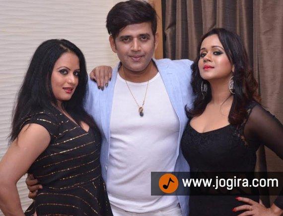 Ravi kishan with Gunjan pant