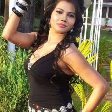 bhojpuri item girl seema singh hot pic
