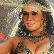 bhojpuri-item-girl-seema-singh-hot