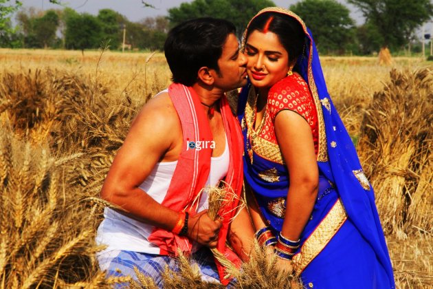 bhojpuriya hit jodi amrapali dubey and nirahua