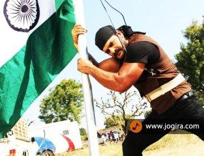 khesari lal yadav busy in shooting of aatankwadi
