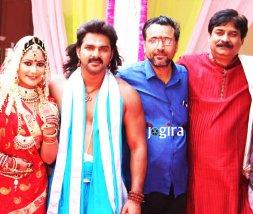 भोजपुरी फिल्म धड़कन की शूटिंग करते भोजपुरिया अभिनेता पवन सिंह