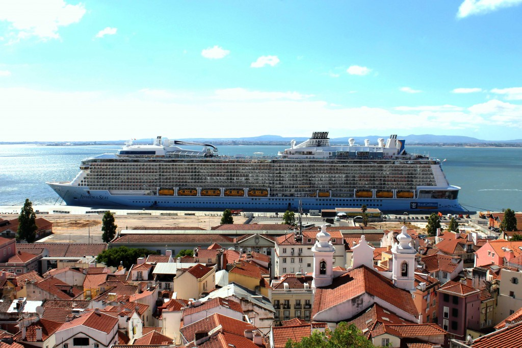 Lisbon by cruise ship - lead