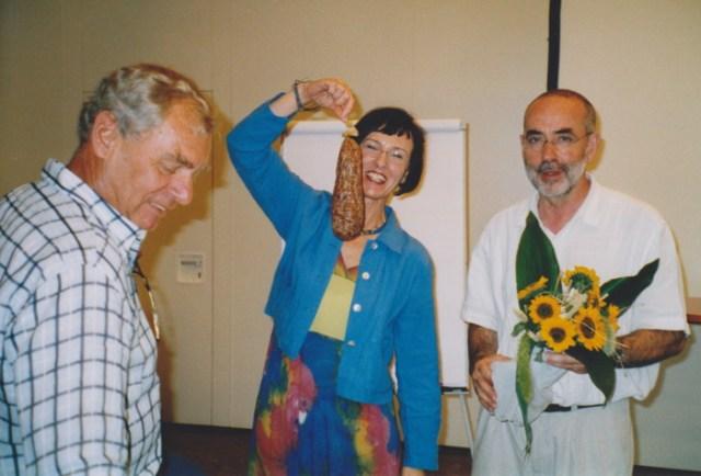 """Die """"Fortbildner"""", Herr Kees, Frau Mergner und Pfarrer Ziegner verabschieden sich 2005 von den Fortbildungen.."""