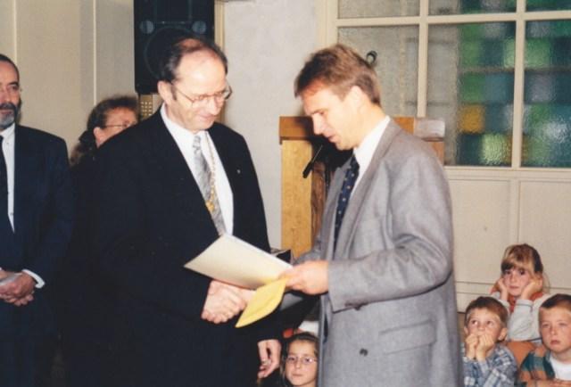 Landesbischof Hoffmann und Kultusminister Althaus 1998.