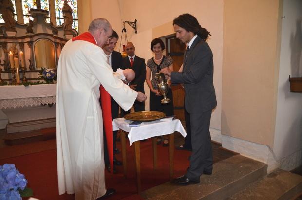 Taufgottesdienst, Kirche in Misserode, Mai 2011.