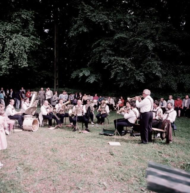 Die Crocker Blasmusik begleitet wie immer das Kirchenfest.