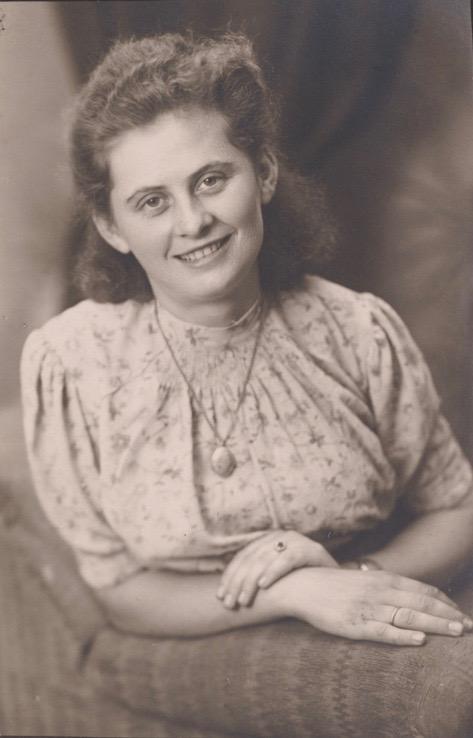 Nina, die Dolmetscherin, die später nach Holland oder England geflohen ist.