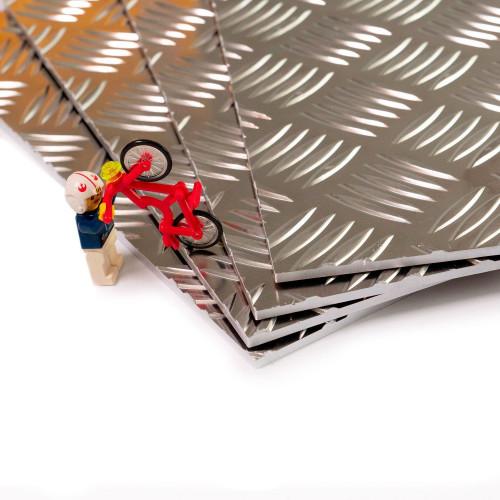 plaque d aluminium brut et antiderapant 55754h111