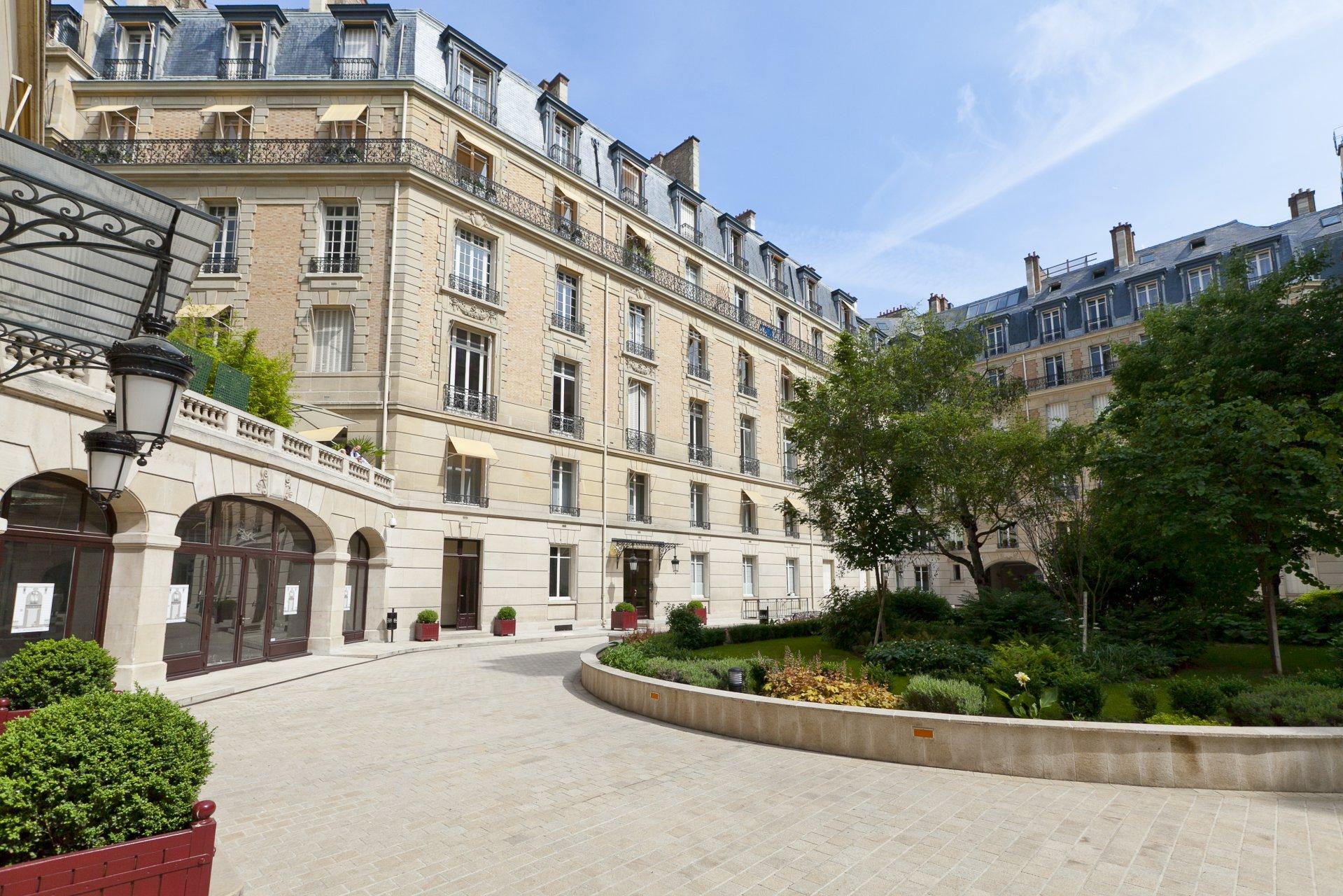Annonce Location Appartement Paris 8me Champslyses 75008 5 Pices refL1513PA