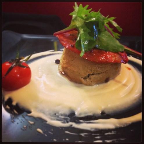 Papeton d'aubergine, crème de chèvre frais glacée au miel et chorizo grillé. La nouvelle carte de Table de Marthe:)