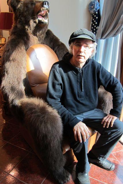 13.John Doan Harp Guitar Moscow Bear Chair