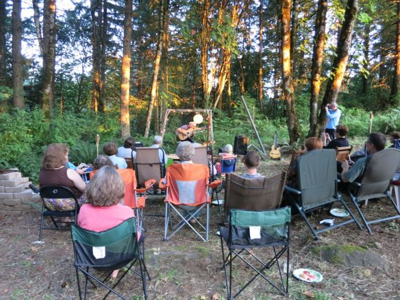 12. Harp Guitar Retreat 2014 Outdoor Concert1