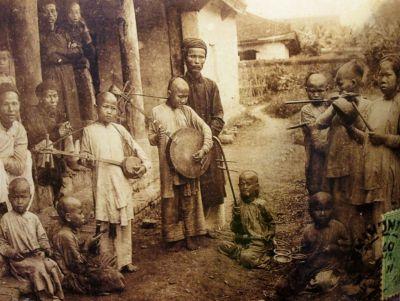 1.Vietnam a Century Ago