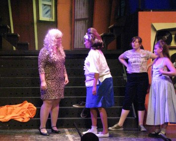 Miss Motormouth Maybelle and Tracey