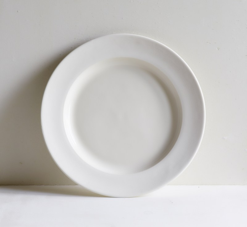Classical Plain Porcelain Dinner Plate with Unglazed Border