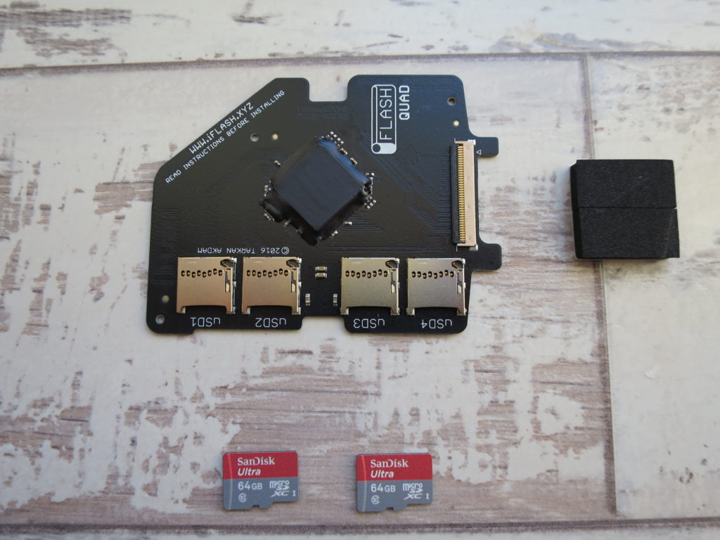 iFlash Quad front view with 2 x Sandisk 64GB SDXC cards ready to go.