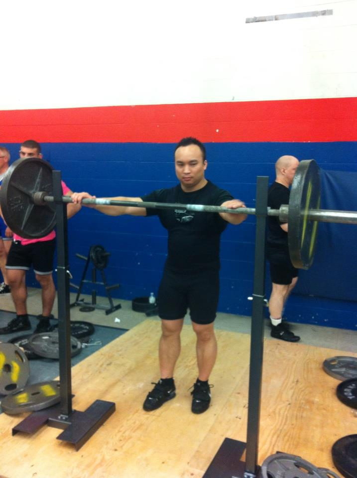 what is a raw powerlifting meet