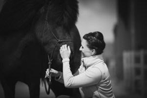 fotografering av häst och ägare