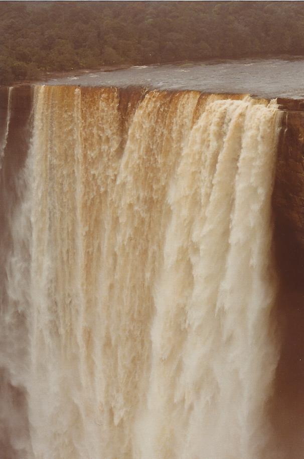 Kaietur Waterfall 2-1