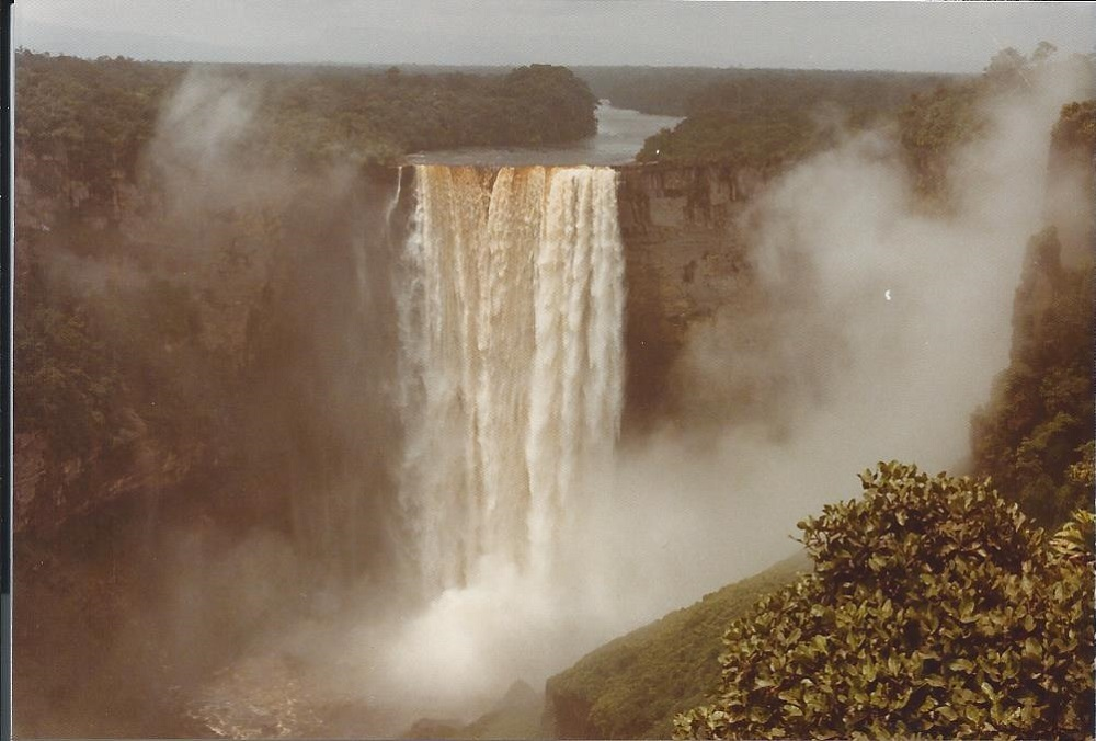 Kaietur Waterfalls 1
