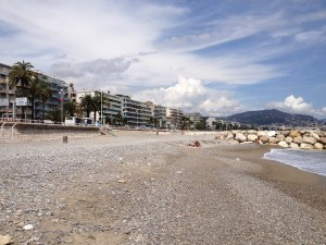An emtpy beach in Nice on a weekday-1