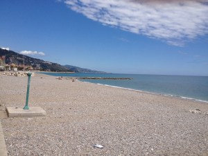 Gravel beach at Menton-1