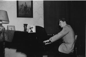 John Piano Audrey 2