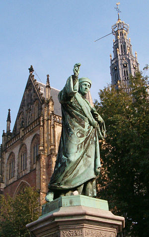 statue-haarlem-laurens_janszoon_coster