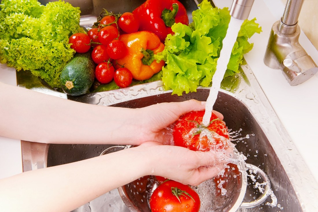 Tips to avoid food poisoning