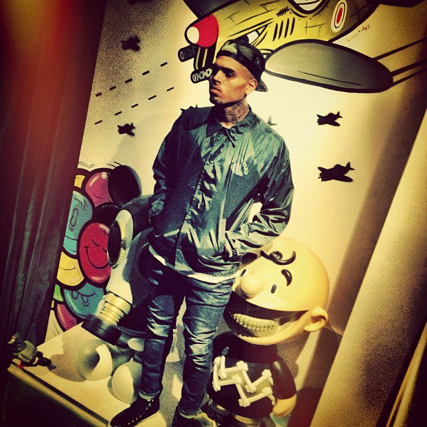 Chris Brown Unveils New Album 'Heartbreak On a Full Moon