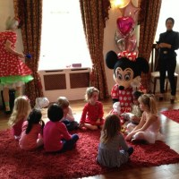 minnie-mouse-parties-7