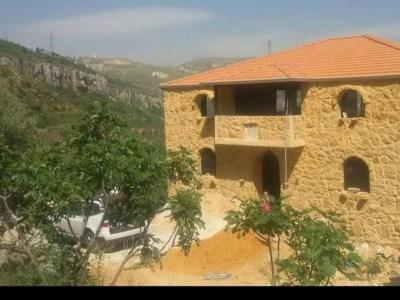 Villa for sale in Btater Jezzine
