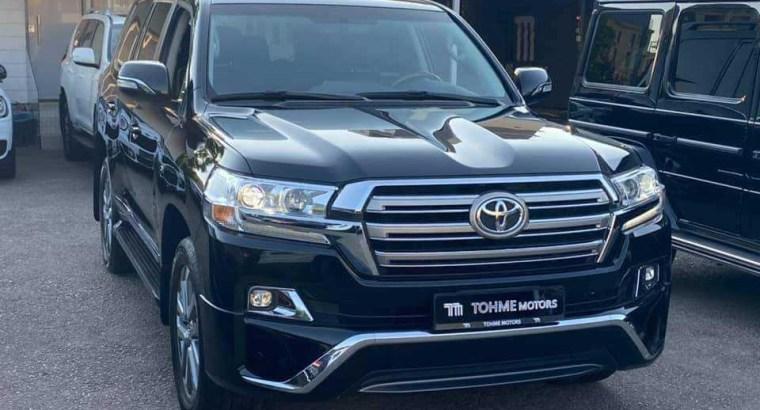 Toyota Land Cruiser VX V8 5.7 2016
