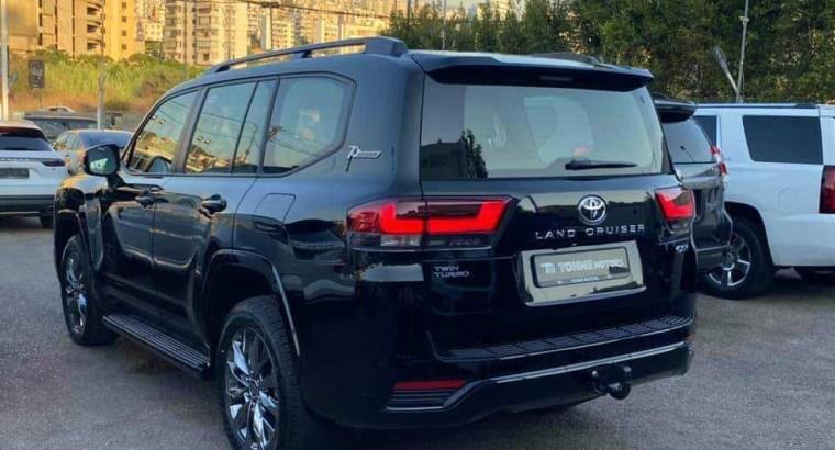 Toyota Land Cruiser GX. R 2022