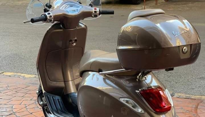 Motorcycle Vespa Primavera 2016