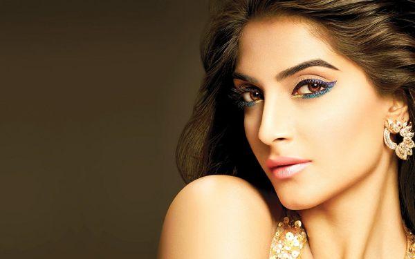 Sonam Kapoor HD Wallpapers