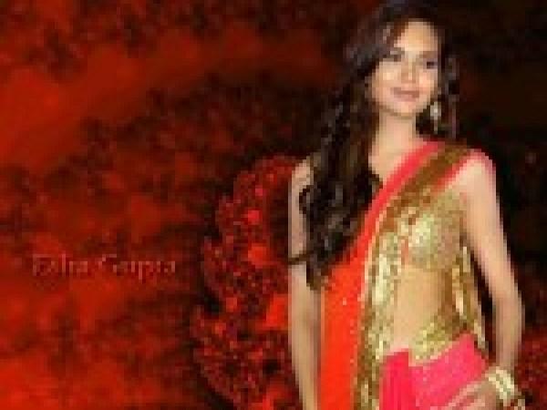 Esha Gupta HD Wallpapers