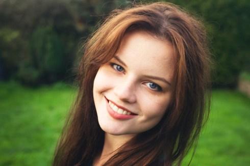 long-brunette-hair-and-blue-eyes
