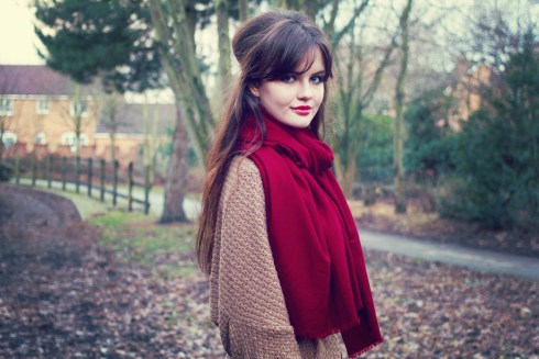 winter-walk-wearing-red-cashmere-scarf