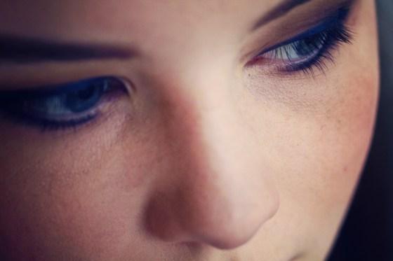 eye-makeup-using-urban-decay-gwen stefani palette
