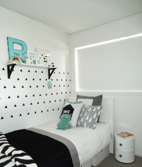 chambre-enfant-noir-blanc-bleu