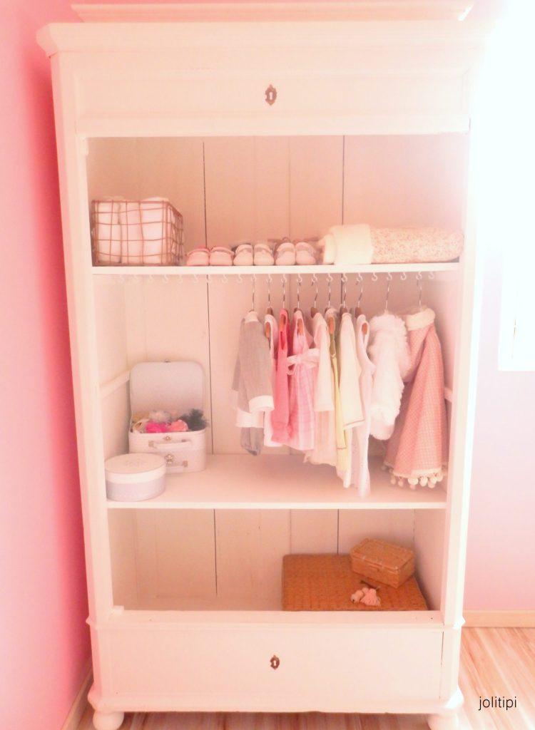 transformer une armoire ancienne en dressing enfant