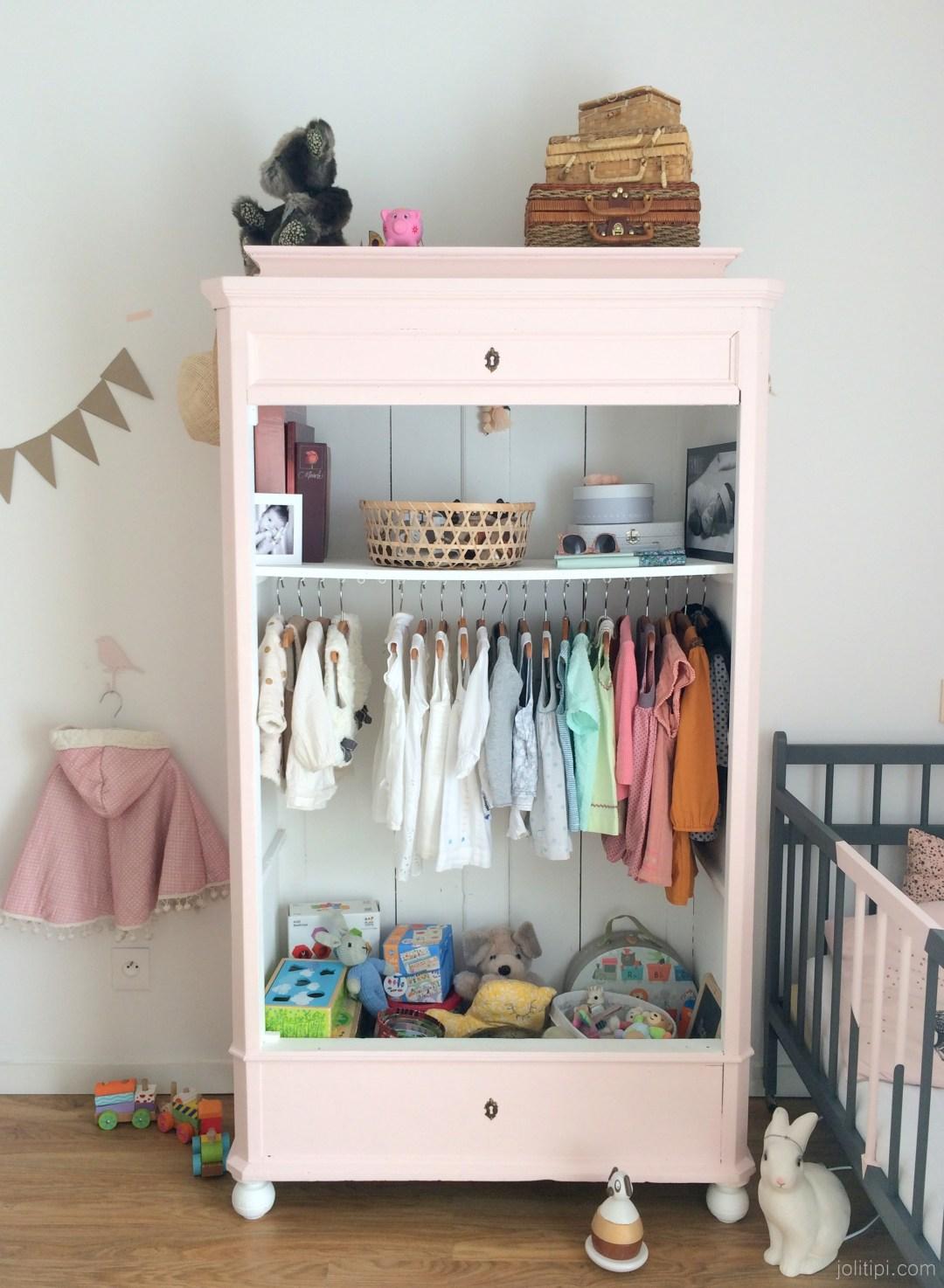 Armoire rose chambre de fille Dressing vintage