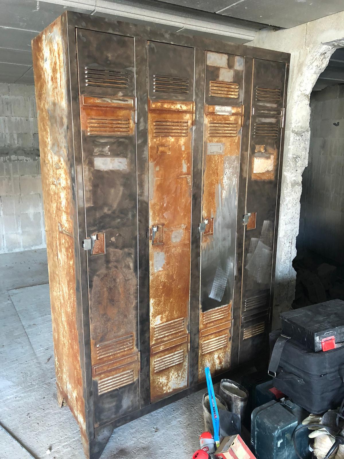 rénovation vestiaire industriel maison de location Airbnb Socoa
