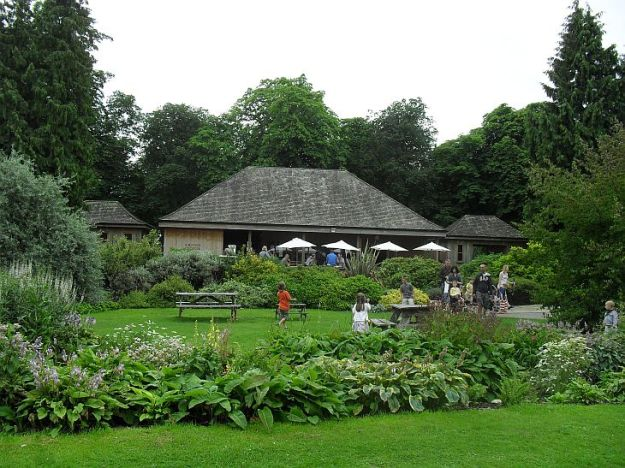 Thorpe Perrow arboretum Cafe