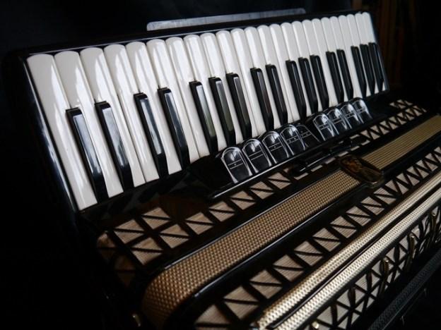 Hohner Atlantic III piano accordion (sold)