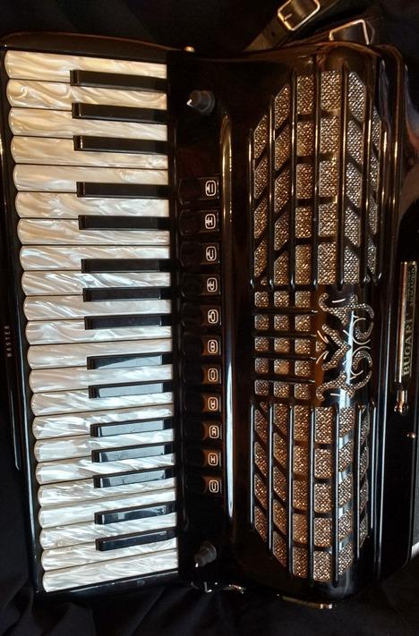 Bugari piano accordion with midi